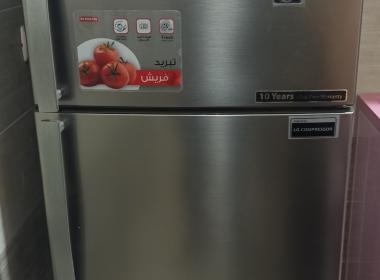 الثلاجة جديدة شغالة ومش بتسقع